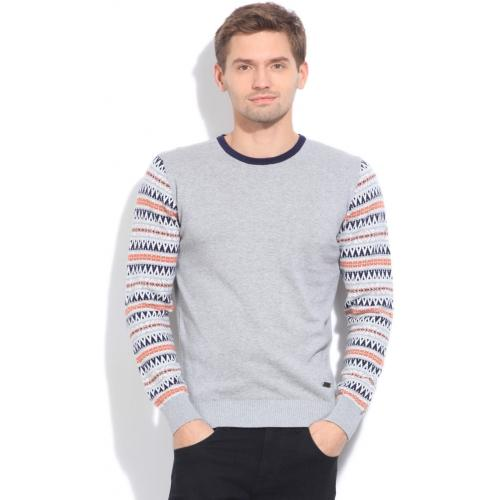 90887518c46b Buy United Colors of Benetton Solid Casual Men s Sweater online ...