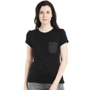109F Women Black Solid Round Neck T-shirt