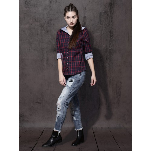 Roadster Women Navy Blue & Blue Regular Fit Checked Casual Shirt
