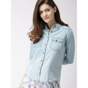 Mast & Harbour Blue Regular Fit Solid Chambray Casual Shirt
