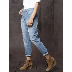 Roadster Women Blue Boyfriend Fit Mid-Rise Mildly Distressed Cropped Jeans