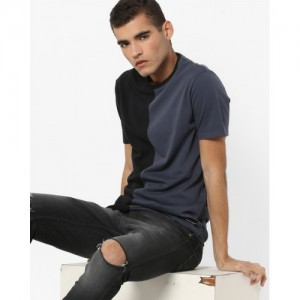 Levis Black Solid Regular Fit Round Neck T-Shirt