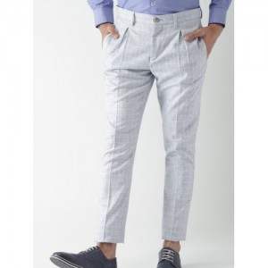 INVICTUS Men Blue & Off-White & Blue Slim Fit Checked Smart Casual Trousers
