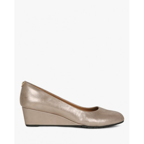 07bc85cd813d Buy CLARKS Vendra Bloom Leather Wedges online