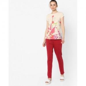 e34193a0de0 Buy Clovia Floral Print Top and Pyjamas Set online