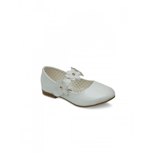 DChica Girls White Solid Synthetic Ballerinas