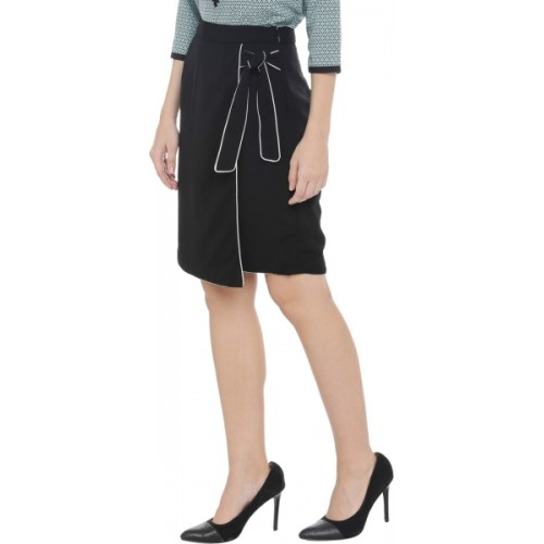 9bdb9fa5a804 Buy Annabelle by Pantaloons Solid Women Straight Black Skirt online ...