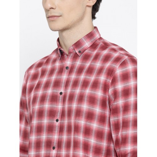 Blackberrys Men Red & Off-White Slim Fit Checked Casual Shirt