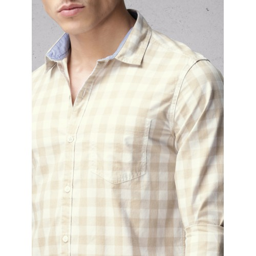 Ecko Unltd Men Beige & White Slim Fit Checked Casual Shirt