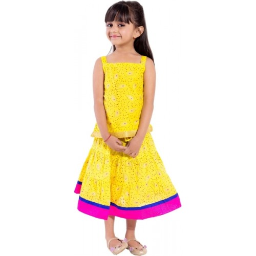 292559d04a0c Buy Magnus Girls Lehenga Choli Ethnic Wear Self Design Ghagra ...