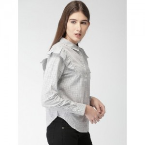 FOREVER 21 Women Off-White & Black Regular Fit Checked Casual Shirt