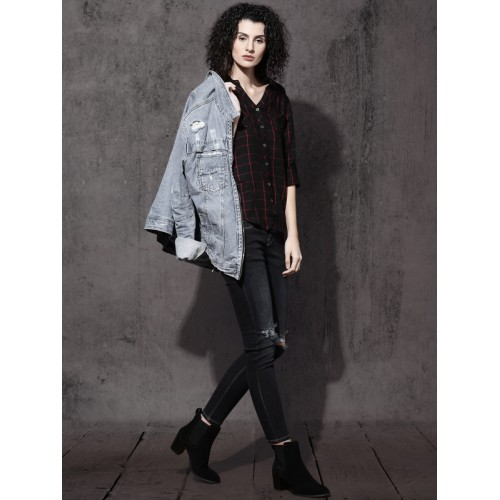 Roadster Women Black & Red Regular Fit Checked Casual Shirt