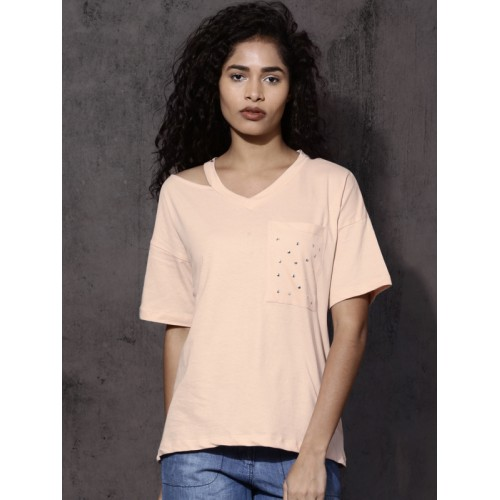 Roadster Women Peach Solid V-Neck T-shirt