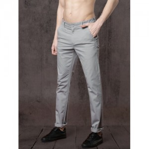 Roadster Grey Cotton Slim Fit Solid Chinos
