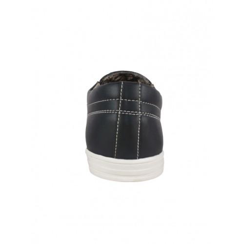 1AAROW black leatherette casual slipon