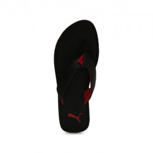 f30394030e5d Buy latest Men s FlipFlops   Slippers from Puma On Amazon online in ...