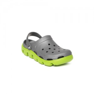 e5ad06b36 Buy latest Men s Sandals   Floaters from Crocs online in India - Top ...