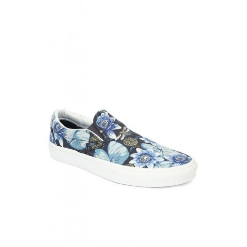 Vans Unisex Classic Slip-On Loafers and Moccasins