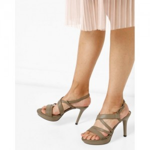 b9fc67a0663 Buy AJIO Chunky Heeled Sandals with Multiple Straps online