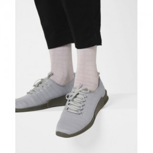 5bebaf0413a Buy latest Men s Sneakers from Wrogn