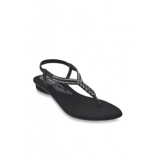 cb594ca26e3 Buy Mochi Black T-Strap Sandals online