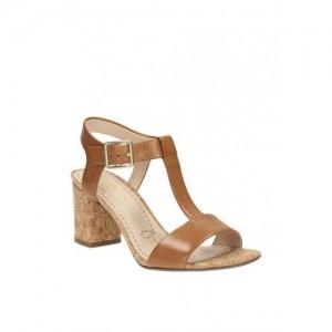 a0a0fa640 Clarks Smart Deva Brown T-Strap Sandals