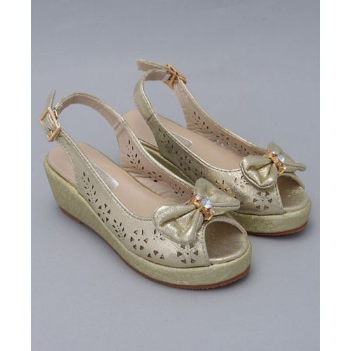 Cute Walk by Babyhug Cute Walk Golden Synthetic Peep Toes