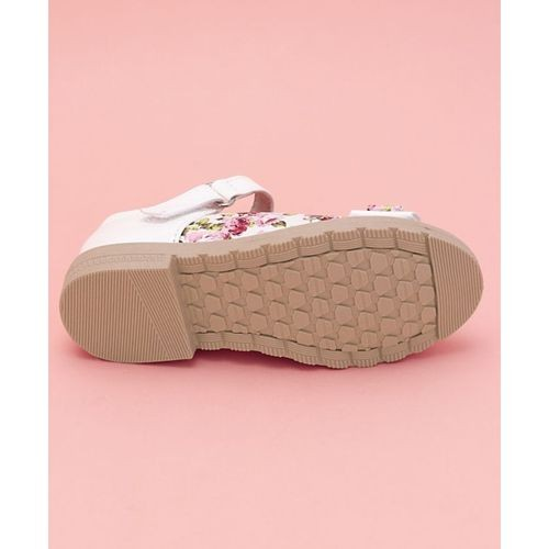 e53bda4a244 Cute Walk by Babyhug Pink Party Wear Bellies Floral Printed Bow Motif ...