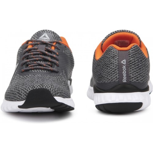 aa397c5c05b Buy REEBOK DASH RUNNER Running Shoes For Men online