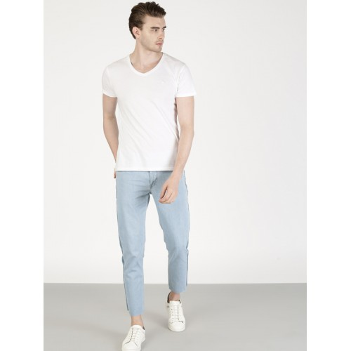 ether Men Blue Carrot Cropped Mid-Rise Jeans with Side Seam Contrast