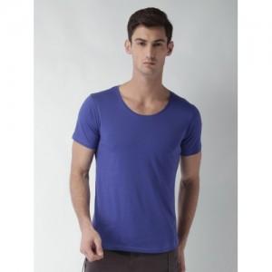 Blue Saint Men Blue Solid Scoop Neck T-shirt