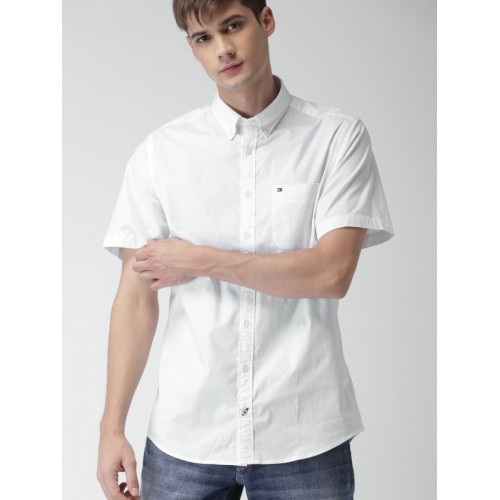 Tommy Hilfiger Men White Smart Slim Fit Solid Casual Shirt