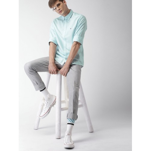 Tommy Hilfiger Men Blue & White Slim Fit Striped Casual Shirt