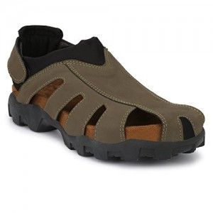 302b586913f Buy latest Men s Sandals   Floaters Below ₹500 online in India ...