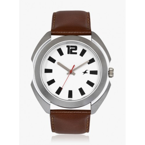Fastrack 3117SL01 Brown Round Leather Analog Watch