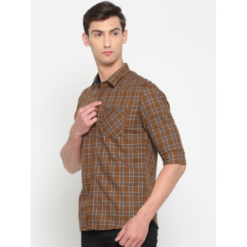 Numero Uno Men Brown & Navy Blue Regular Fit Checked Casual Shirt