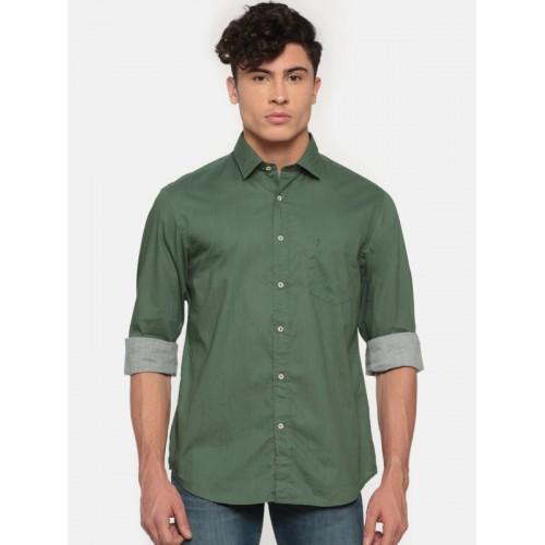 d651fb8bc ... Indian Terrain Men Olive Green Regular Fit Solid Casual Shirt ...
