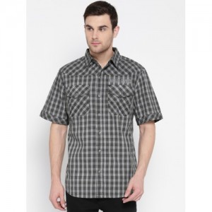 11e13f729fe Harley-Davidson Men Grey   Olive Green Regular Fit Checked Casual Shirt