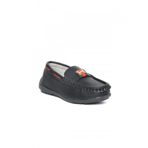 Walktrendy Kids Black Loafers