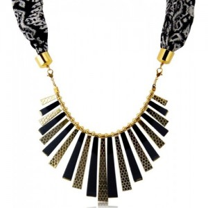 Sukkhi Gleaming Scarf with chain Gold-plated Plated Alloy Necklace