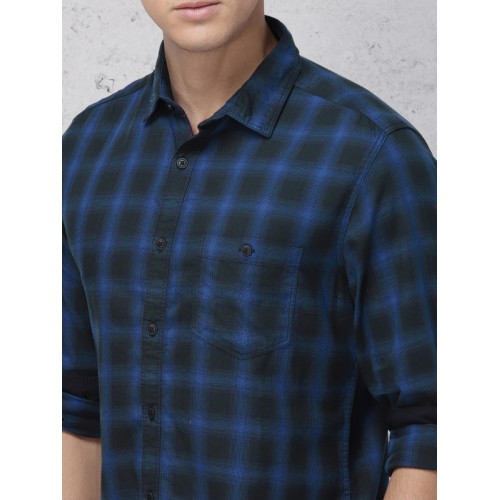 Ecko Unltd Men Blue & Black Slim Fit Checked Casual Shirt