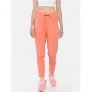 4d95760b5 Buy latest Women s Sportswear Above ₹1500 online in India - Top ...