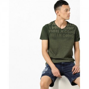 SPYKAR Typographic Print V-neck T-shirt with Dyed Effect