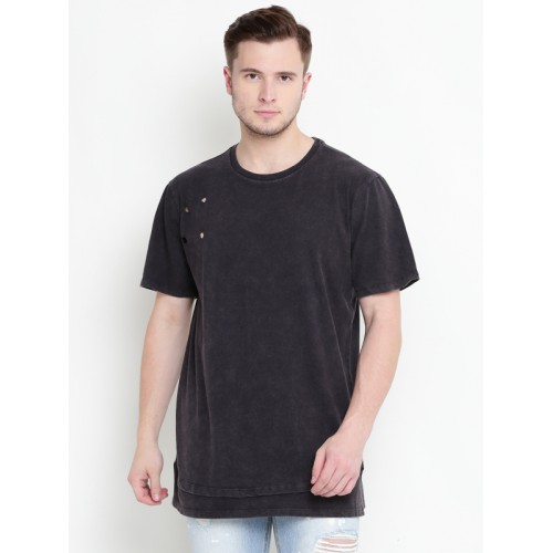 4af66f5ffc1 Buy FOREVER 21 Men Black Solid Round Neck T-shirt online