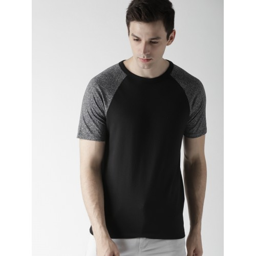 411044119ad Buy FOREVER 21 Men Black Solid Round Neck T-shirt online ...