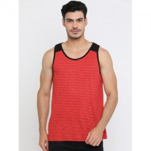 Masculino Latino Men Red Striped Scoop Neck T-shirt