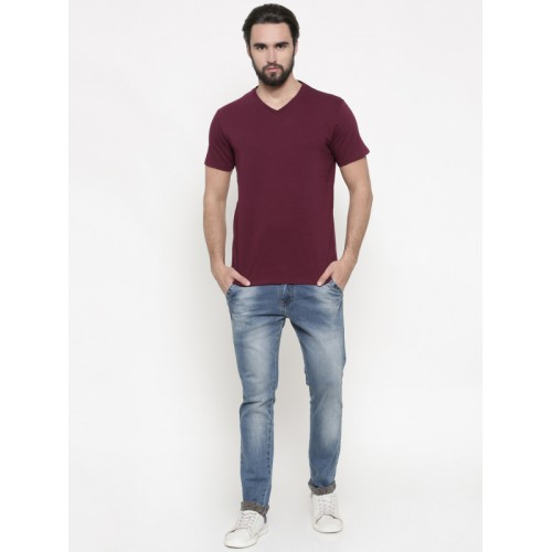 Indian Terrain Men Maroon Solid V-Neck T-shirt