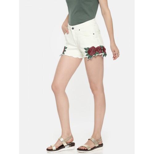 Vero Moda Women Off-White Self Design Slim Fit Hot Pants