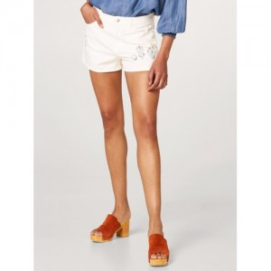 cbc581166ef815 Buy FOREVER 21 Women Off-White High-Rise Denim Shorts online ...