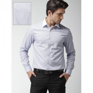 INVICTUS Blue & White Cotton Slim Fit Checked Formal Shirt